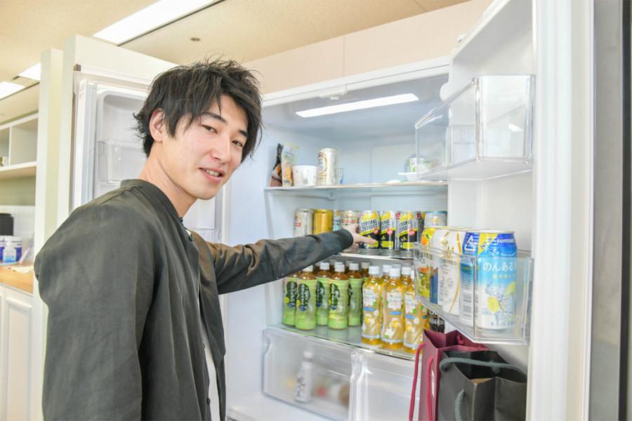 アナグラム株式会社の冷蔵庫